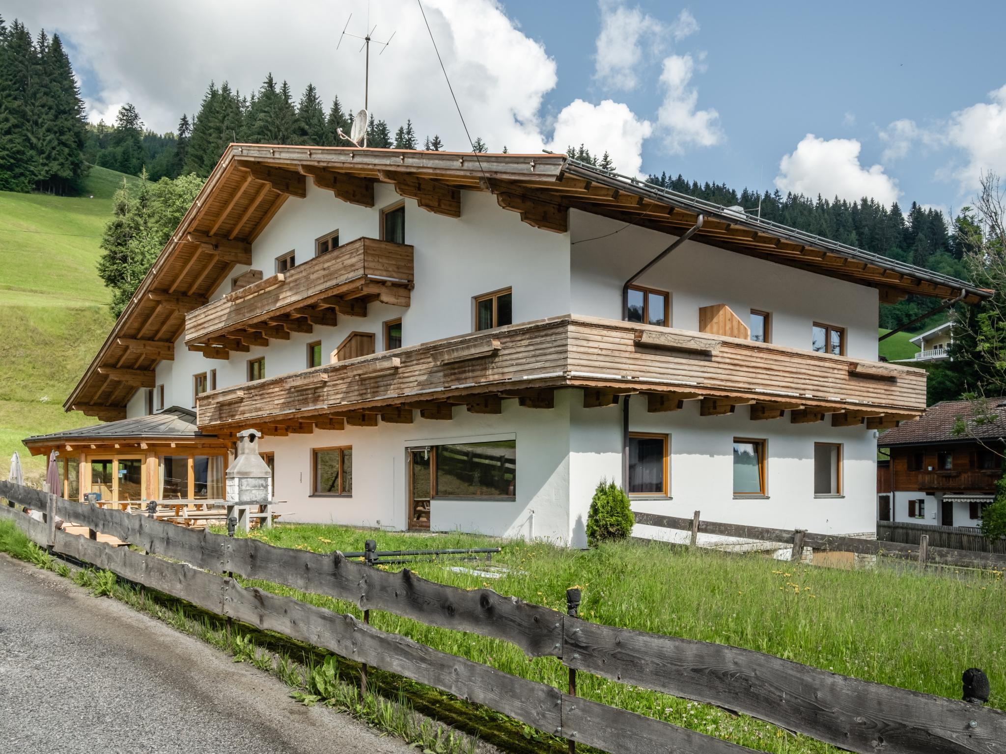 An der Piste Large Tirol